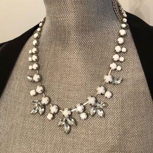 Jewelry - FREE W PURCHASE Statement Necklace